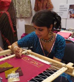 De sari de shikha chireux demonstration de broderie indienne vente de